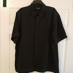 Roundtree and Yorke Men's Casual Shirt